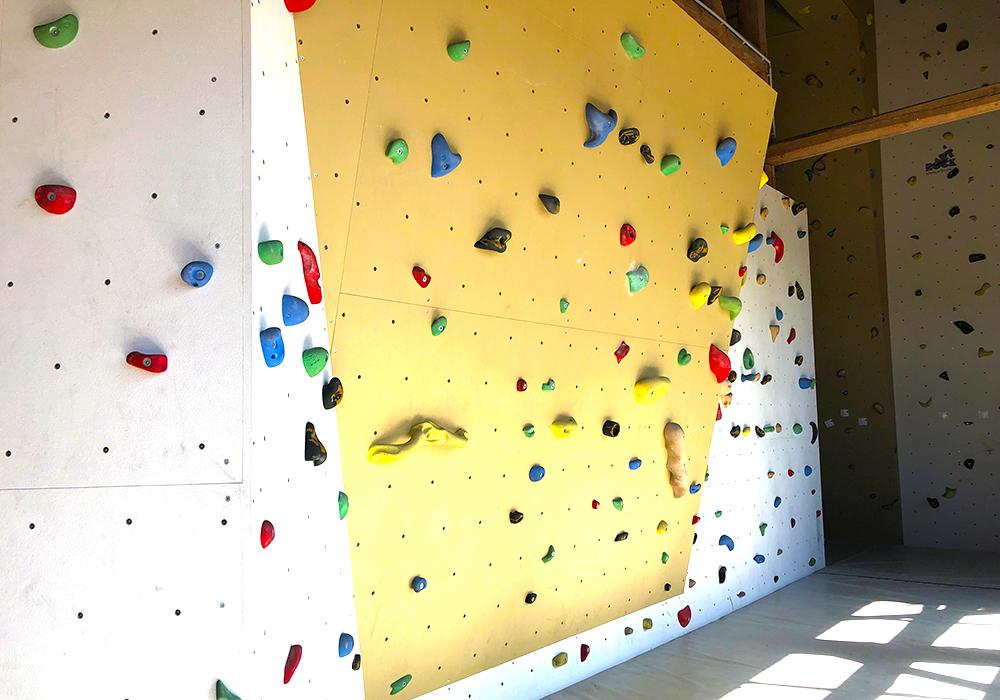 Kletterhalle mit vielen Möglichkeiten
